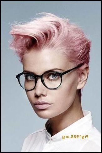 Kurze Frisuren Damen Mit Brille Einzigartig – 12 Starke Frisuren  #brille #damen #einzigartig #frisuren #kurze #starke