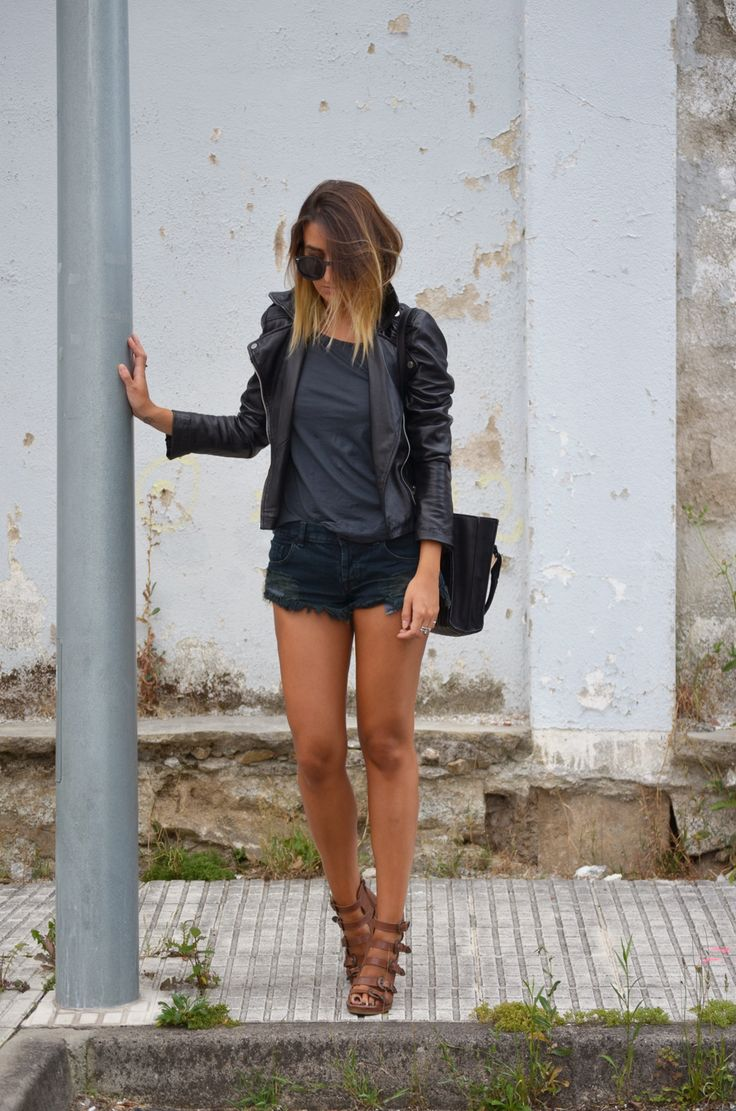Mango leather jacket, Topshop tshirt and sandals, One Teaspoon shorts, Zara bag