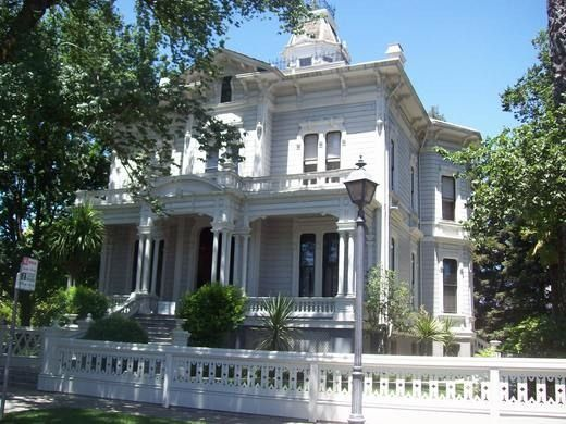 McHenry Mansion – Modesto, California | Atlas Obscura