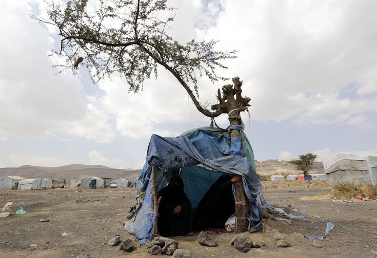 50-year-old widow Masuda and 47-year-old Taqiah from Amran pass time under the shade of a makeshift tent at the Dharwan settlement. Nineteen per cent of Yemen's 2.18 million displaced individuals live in informal settlements or collective shelters such as public or religious buildings and schools. 19 DEC 2016 In pictures: Yemen's displaced women and girls - BBC News