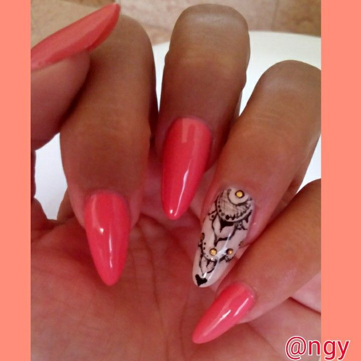 coral almond and accent nail with nail art tattoo henne inspiration
