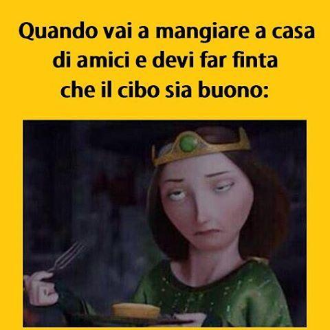Momenti difficili. #tmlplanet #amici #mangiare