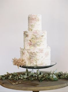 Maggie Austin Cake via @Jena Kittie Wed & Eric Kelley Photography.