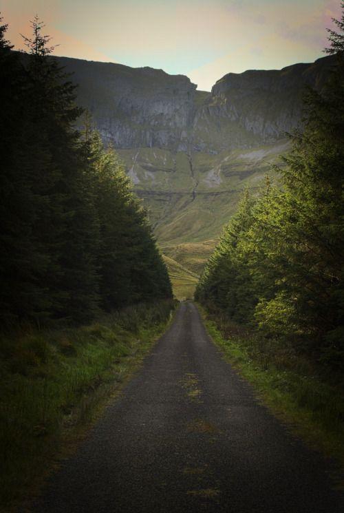 Gleniff Horseshoe, Sligo, Ireland by thomasjcochrane
