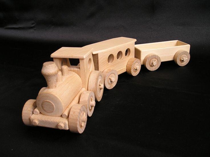 Osobní vláček osobáček. Dětské dřevěné hračky.