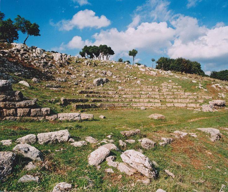 Αρχαίο θέατρο Κάτω Βλασίας Καλαβρύτων (Αρχαίο Λεόντιο) - Ancient Leontio Theatre