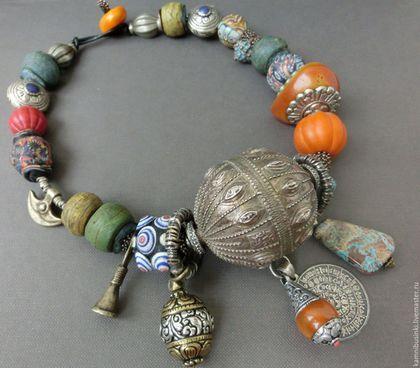 Колье `Великий шелковый путь` антикварные украшения, этнические украшения, бусы из  хеврона, серебра Йемена, непальских бусин, исламских бусин, янтарь - ручная работа Kamnibusinki.