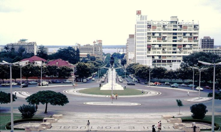 Vista da Câmara Municipal de Lourenço Marques para Sul, 1969.