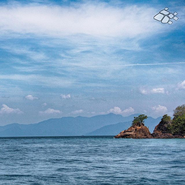 【platapiendotcom】さんのInstagramをピンしています。 《เกาะหลีเป๊ะ, Koh Lipe, 코 Lipe, 利普島, 利普岛, リペ島 #海 #海 #바다 #море #hav #Meer Lipe Island, Tarutao Nation Marine Park, Andaman sea, Satun Province #タイ #lipeisland #thailand #lipe #islands #tarutao #andaman #sea #nice #niceday #beautiful #beautifulview》