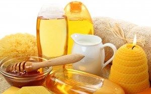 Natural Cosmetic Uses for Honey