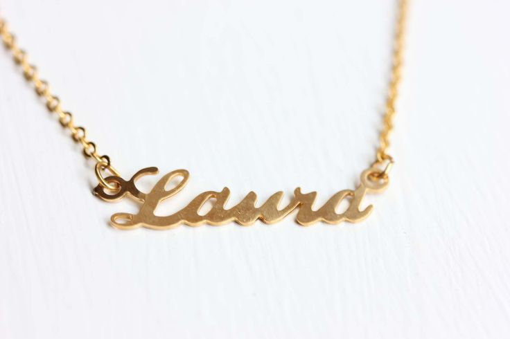 Vintage Name Necklace - Laura