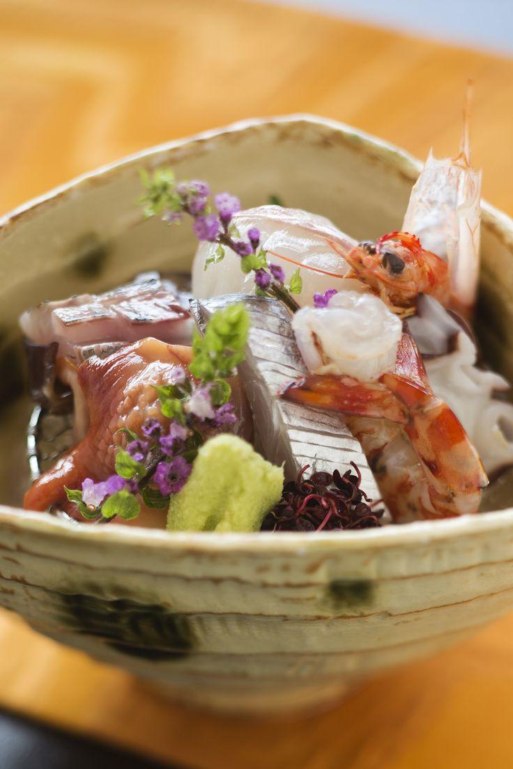 瀬戸内海の採れたて新鮮鮮魚の盛り合わせ(献立例)。朝、市場から届く美味しい海の幸を夕食で。