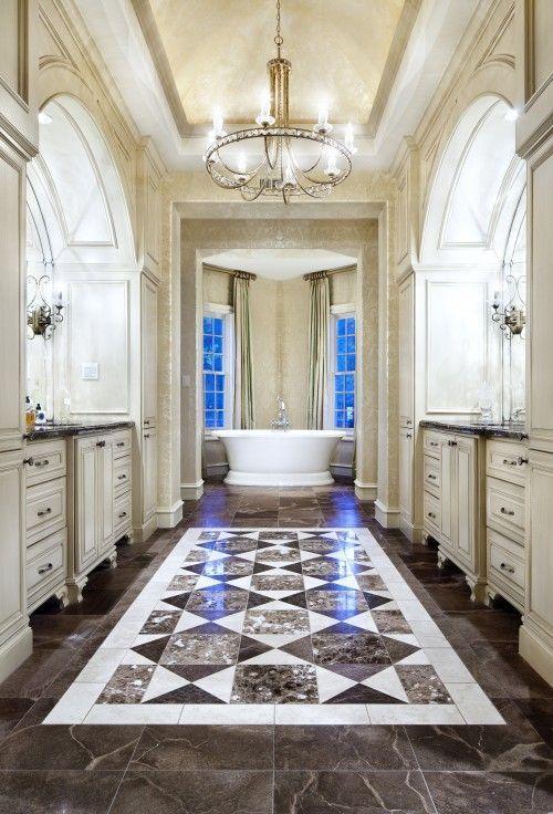 Средиземноморский Мастер Ванная комната с гранитной комплекс плиточные полы, Корпусная ванна, искусственную отделки краской, люстры, Flush