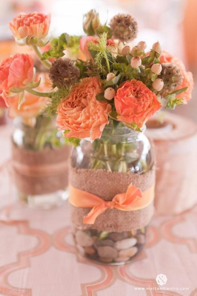 Stunning floral by @petal2metalreno LOVE this color combination of neutral tans and almonds with pops of peach