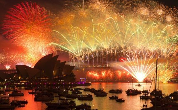 Watching Best NYE Fireworks on Sydney Harbour Cruises