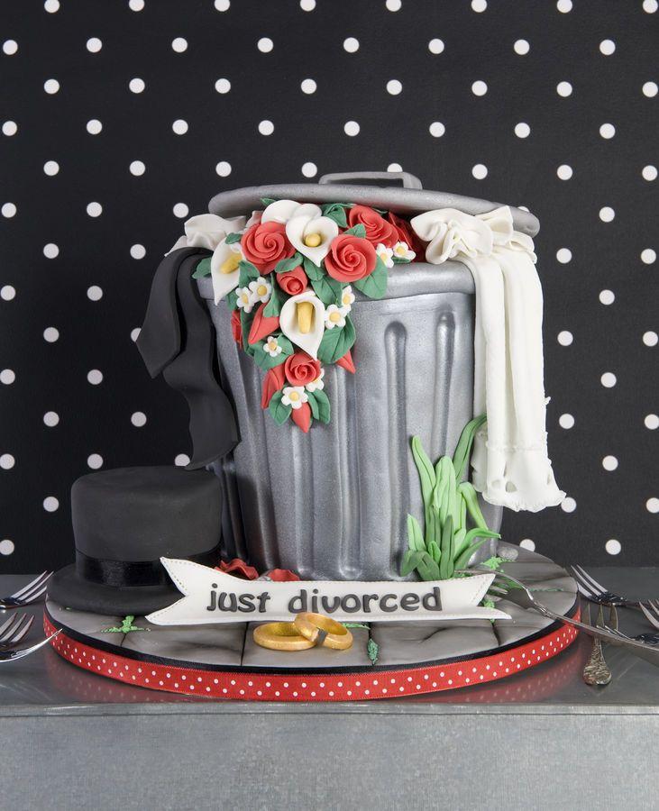 Divorce Cake                                                                                                                                                                                «CaKeCaKeCaKe»