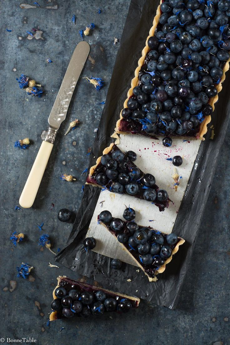 A rectangle-shaped #Blueberry #tart can easily be cut into individual slices!