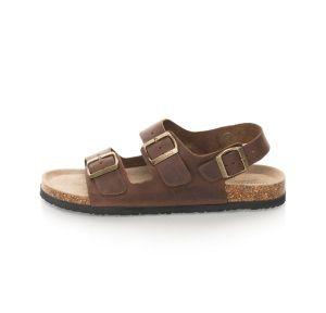 Sandale Barbati din Piele Naturala la pret bun . Studiind un pic subiectul pe net vis-a-vis de perceptia care o au unii fata de sandalele pentru barbati , am observat remarci de o anumita pretiozitate bombastica de domnisorica   #sandalepiele #sandalemaro #sandalebarbati