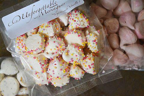 Mini Petite Meringues Sprinkles  30gm