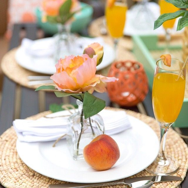 Peachy keen details from this dreamy little brunch setup! Who is ready to Cheers to the weekend?  #ontheblog