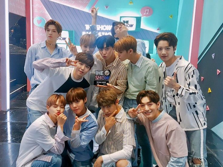 Wanna One @ THE SHOW backstage
