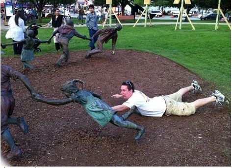 Playing-with-children Playing with statues – part 2 :  Kids