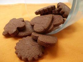 Questi biscotti alla nutella si preparano con una facilità estrema, sono deliziosi e potrete conservarli chiusi in un barattolo per qualche giorno.