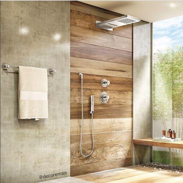 Drewniana/drewnopodobna ściana w łazience? Kafelki imitujące drewno w łazience  / ducha decore mais