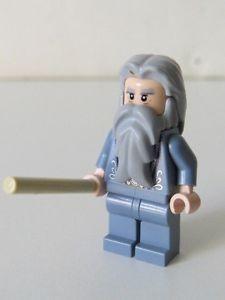 LEGO Albus Dumbledore with Wand | Lego-Hogwarts-Castle-4842-Professor-Albus-Dumbledore-Minifigure-with ...