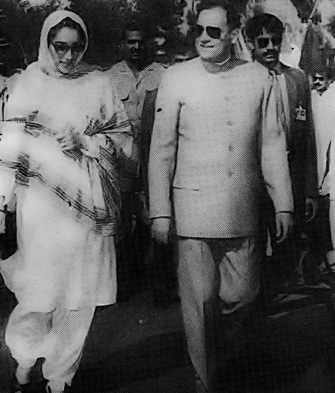 Benazir with Rajiv Gandhi. #Benazir #leader