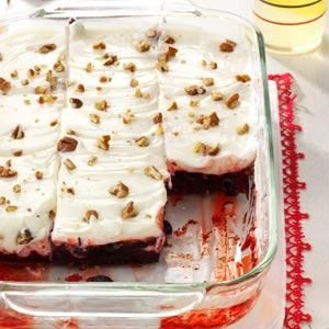 18 Easy Overnight Desserts                     -                                                   Prepare these easy make-ahead desserts—ice cream desserts, berry-topped cheesecakes, cream pies and chocolate tortes—in 30 minutes or less, then pop in the freezer or refrigerator the day before parties and potlucks.