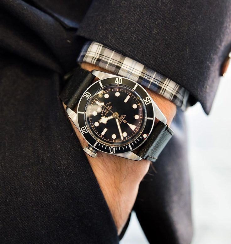 The @tudorwatch Black Bay better than ever in black-on-black. ( @andrewleegoble) #WatchWednesday by gq