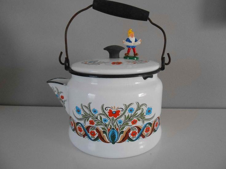 Scandinavian Teapot Kettle Swedish Folk Art Enamel Berggren. $28.00, via Etsy.