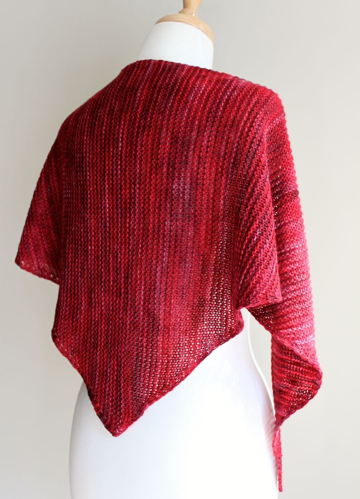 1000+ ideas about Knit Shawl Patterns on Pinterest Shawl, Knitting Patterns...