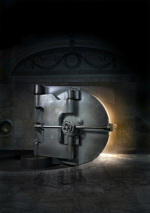 How to open vault