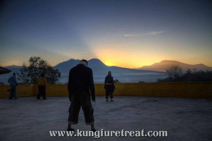 Morning chi kung! http://www.kungfuretreat.com/about-the-mountain-training-camp/why-pai/ https://www.facebook.com/shaolinkungfuretreat https://twitter.com/kungfuretreat Instagram: @ namyangkungfu #kungfu #chikung #shaolin #shaolinarts #martialarts #meditation #health #fitness #wellness #stretching #flexibility #PaiThailand #Thailand #Asia #MaeHongSon #ChiangMai #travel #qigong #namyang #nature #Pai