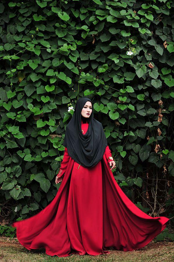 LYRA VIRNA FOR LAIQA MAGAZINE on Behance #stylingbyfanie