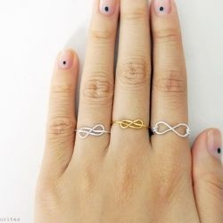 Learn how to make 2 types of infinity rings with wire! (in Portuguese and English)