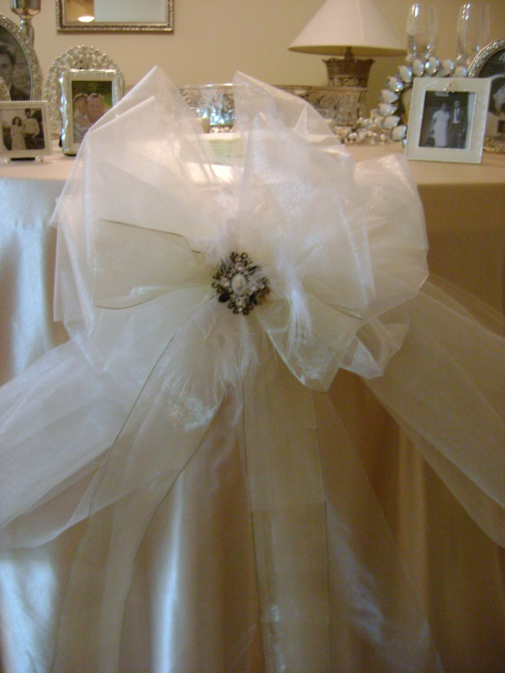 wedding decorations with brooches....Bridal Shower, Bridal Parties Tables