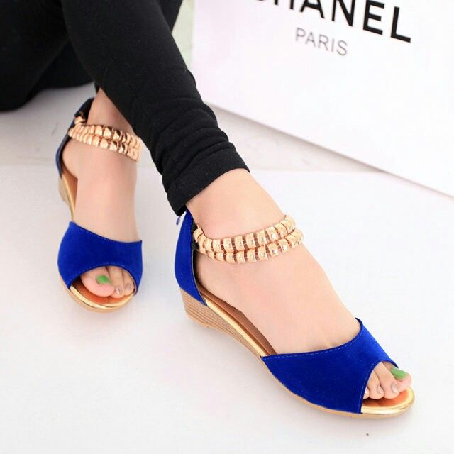 http://livestylevogue.com/summer-flat-sandals-2015-for-uk-girls/stylish-flat-sandals-2014-for-ladies-famous-shoes-newstylevogue-com-8/