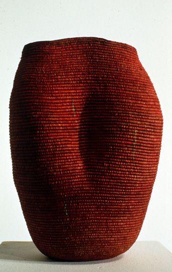 // Carol Shaw Sutton, coiled raffia & linen (2000)Shaw Sutton 2007, Basketry Form, Coil Raffia, 2000 Coil, Carol Shaw Sutton, Baskets Cases, Linens 2000, Raffia Linens, Art Baskets