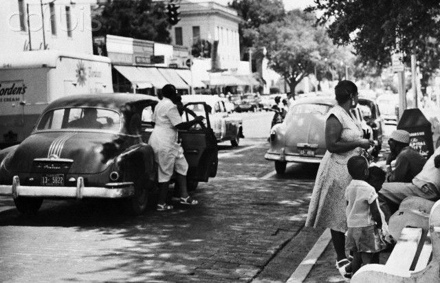 tallahassee bus boycott 1956 essay The montgomery bus boycott word count: 821 approx pages: 3 save essay view my saved essays downloads: 2 it influenced the american civil rights movement and led to a 1956 decision by the supreme court of the united states which made segregated seating on buses unconstitutional.