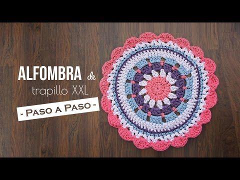 Tutorial paso a paso de cómo hacer una alfombra de trapillo redonda tamaño XXL tipo mandala. Si quieres ver el patrón visita: http://www.missdiy.es/alfombra-...