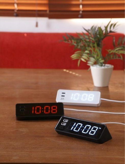 ベッドでスマホが充電できる!USBポート付き目覚まし時計【LED クロック with USB】