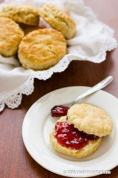 Receta de bisquets caseros para el desayuno, con fotografías, consejos y sugerencias de degustación. Recetas de panadería