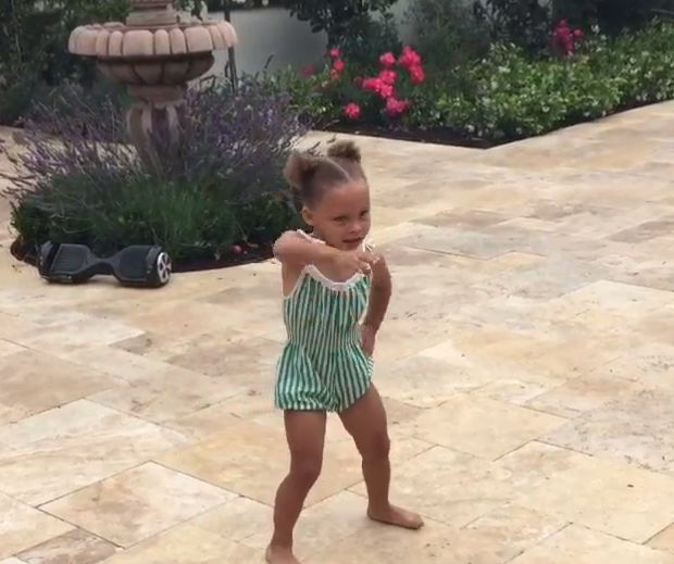 Riley Curry Hits the Nae Nae and Totally Slays the Dance on Her 3rd Birthday | Cambio