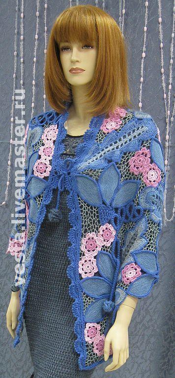 `Джинсовый рай` - накидка-трансформер. работа выполнена в технике фриформ. Можно носить как шаль, накидку или жилет.