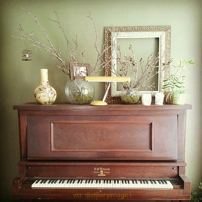 S. W. Miller Piano Co upright Piano