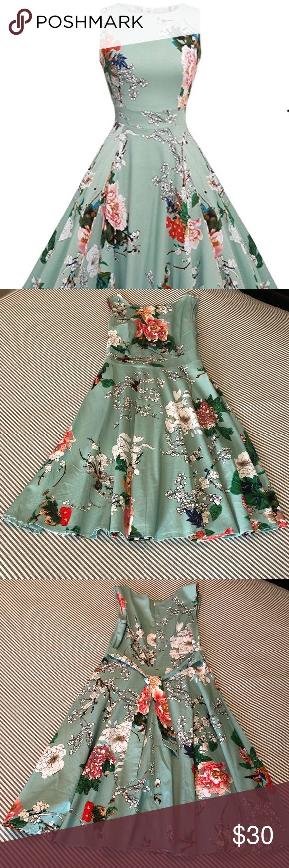 Vintage Classy Floral Sleeveless Party Dress This vintage classic floral Aranee …