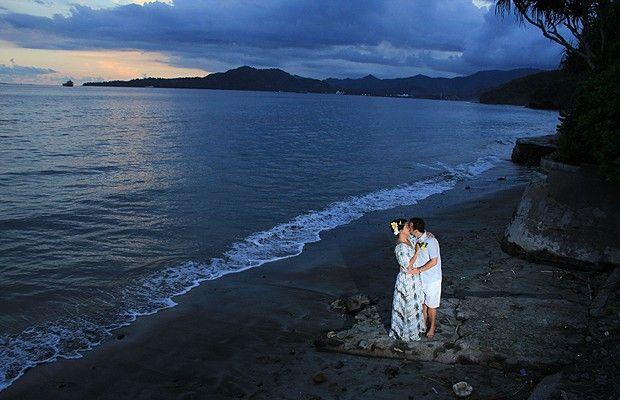 O nosso #casamento tradicional em #Bali ! Quer saber mais? Leia tudo no blog: http://www.voucontigo.com.br/index.php/12613-2/lua-de-mel/